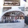 Oia (Santorini) y Madrid, unidos por la literatura. Atlantis Books.