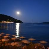 Luna llena en Monastiriou Bay